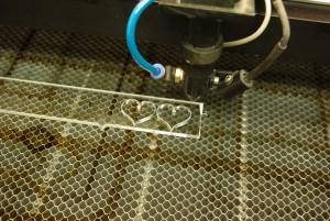 Testiranje laserja s pleksijem